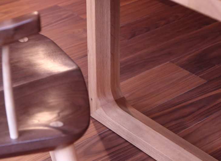 modern-windsor-detail-with-galleon-table